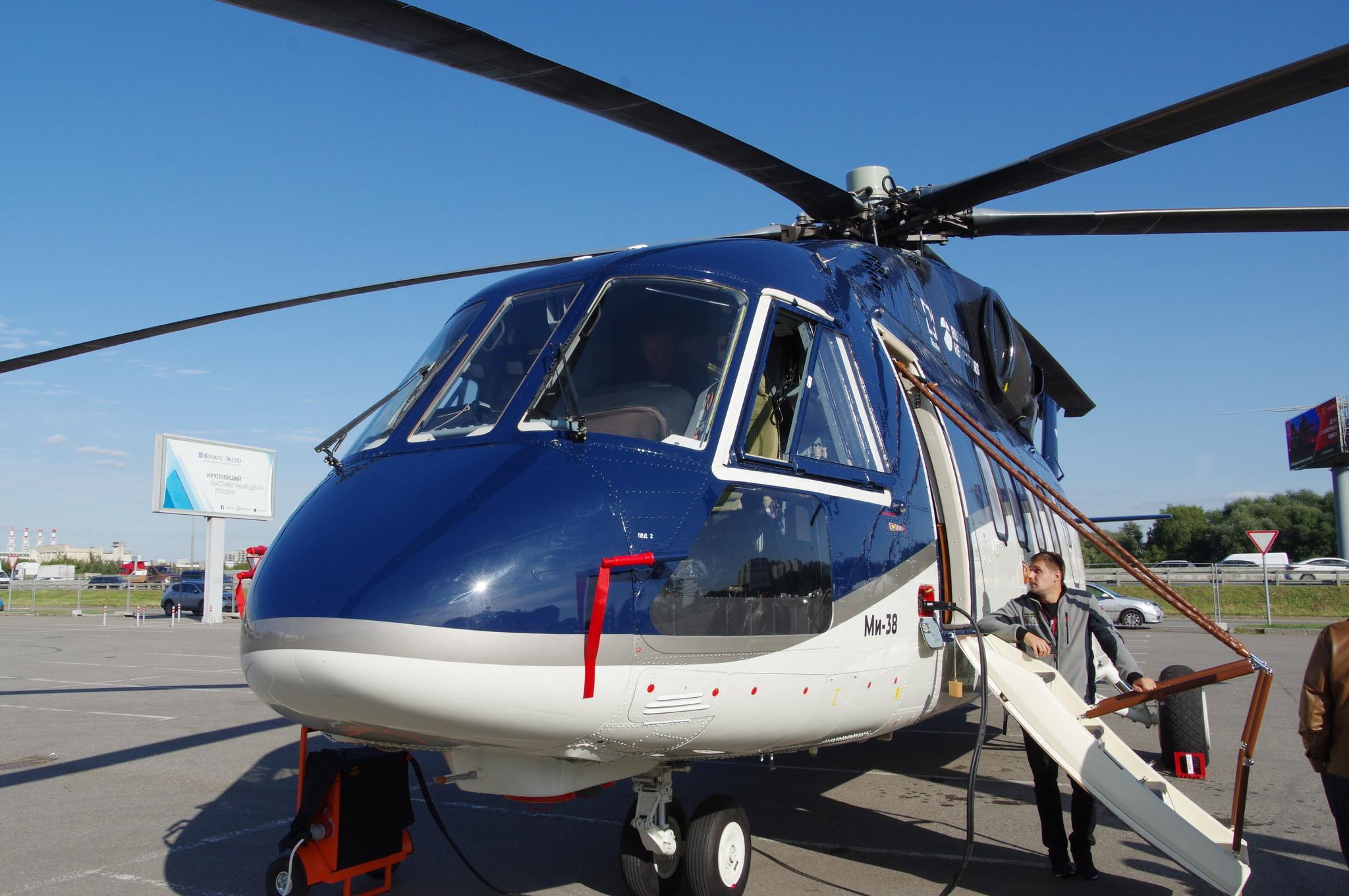 Вертолёт тяжёлого класса Ми-38 в корпоративном исполнении