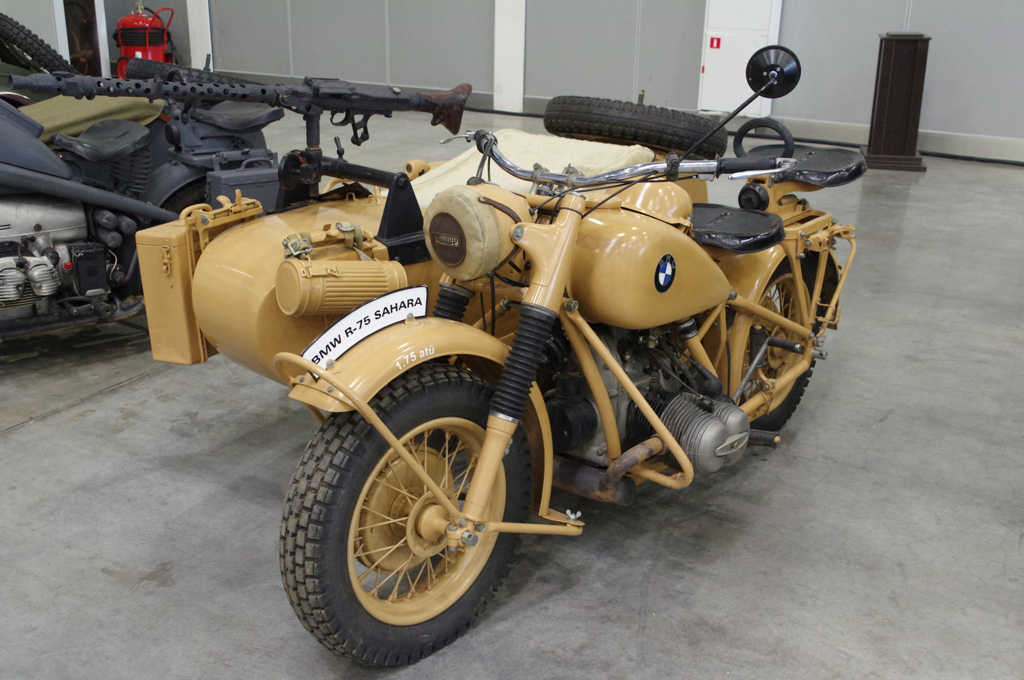 Мотоцикл BMW R75 «Sahara»