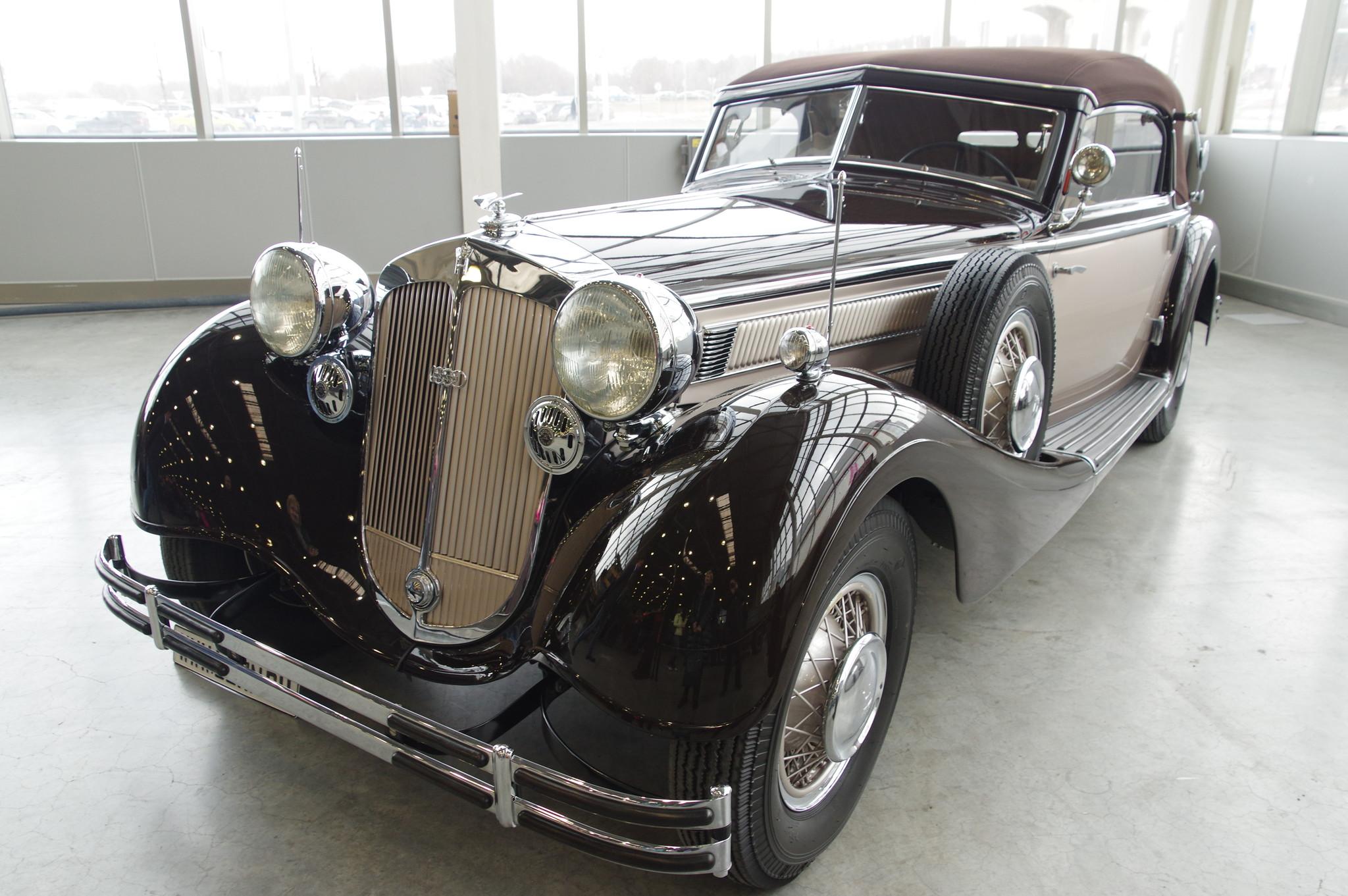 Автомобиль Horch 853 (1938г.) на международной выставке исторической военной техники «Моторы войны» в «Крокус Экспо»