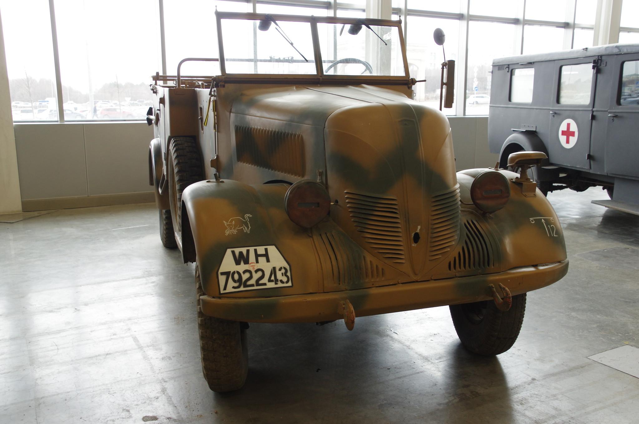 Командирский автомобиль Phänomen Granit 1500A Kfz.70 (Германия) на международной выставке исторической военной техники «Моторы войны» в МВЦ «Крокус Экспо»