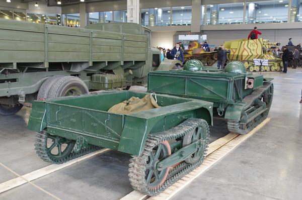 Лёгкий бронетранспортёр Renault UE Chenillette (Полное официальное название — Chenillette de ravitaillement d'infanterie 31R или танкетка снабжения пехоты)