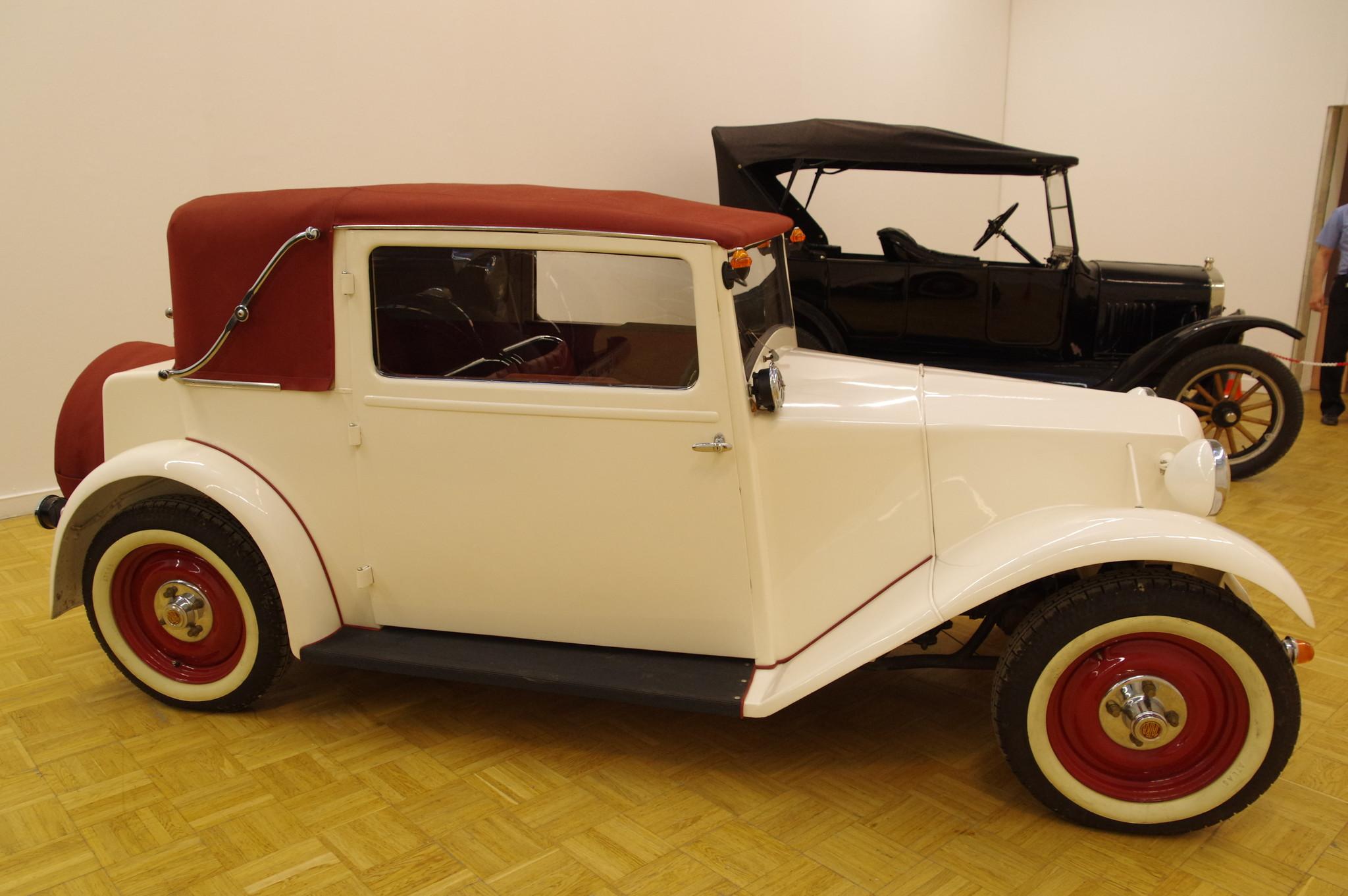 Tatra 57 - 4-местный кабриолет