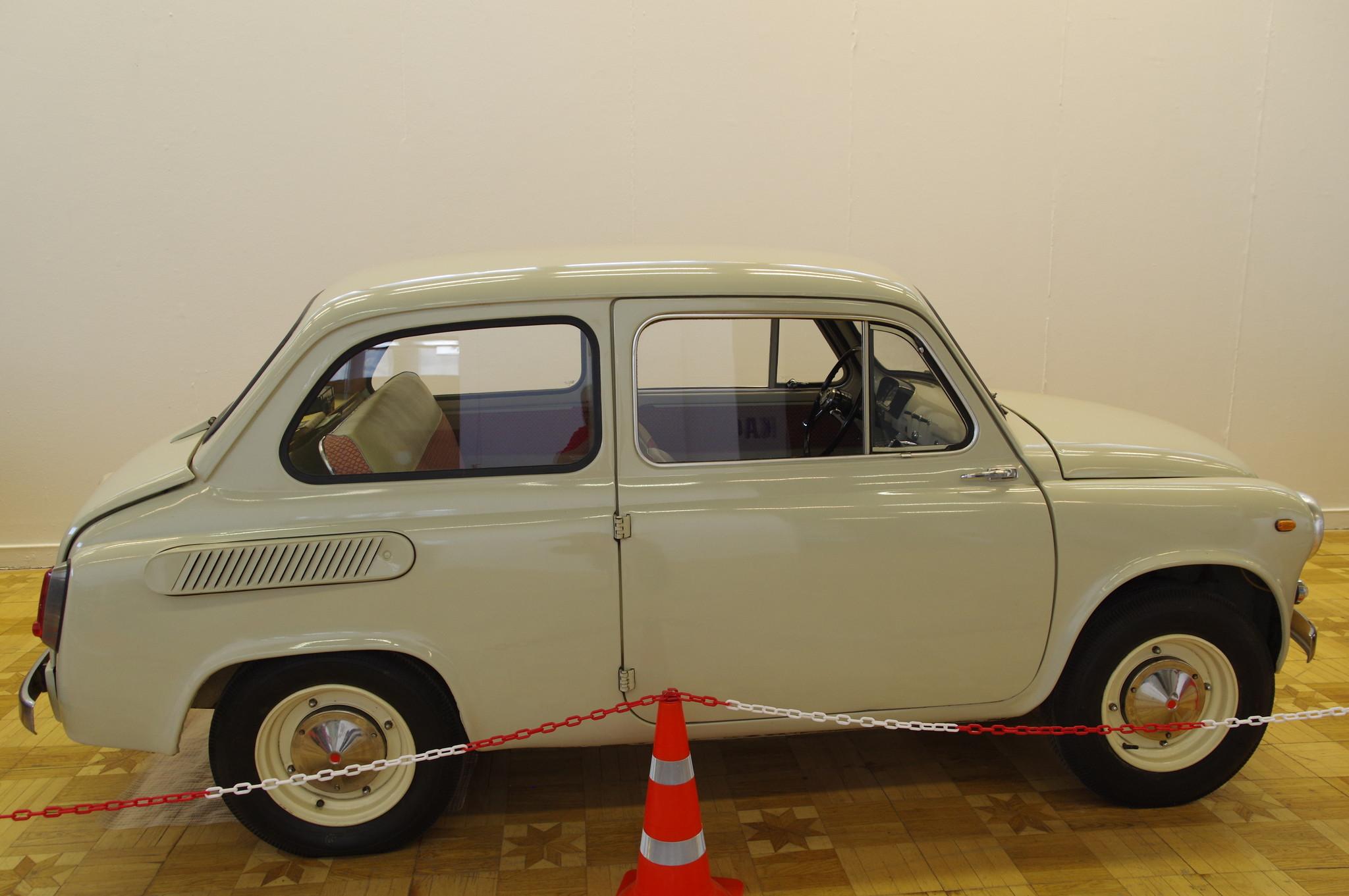 Автомобиль ЗАЗ-965А «Запорожец»