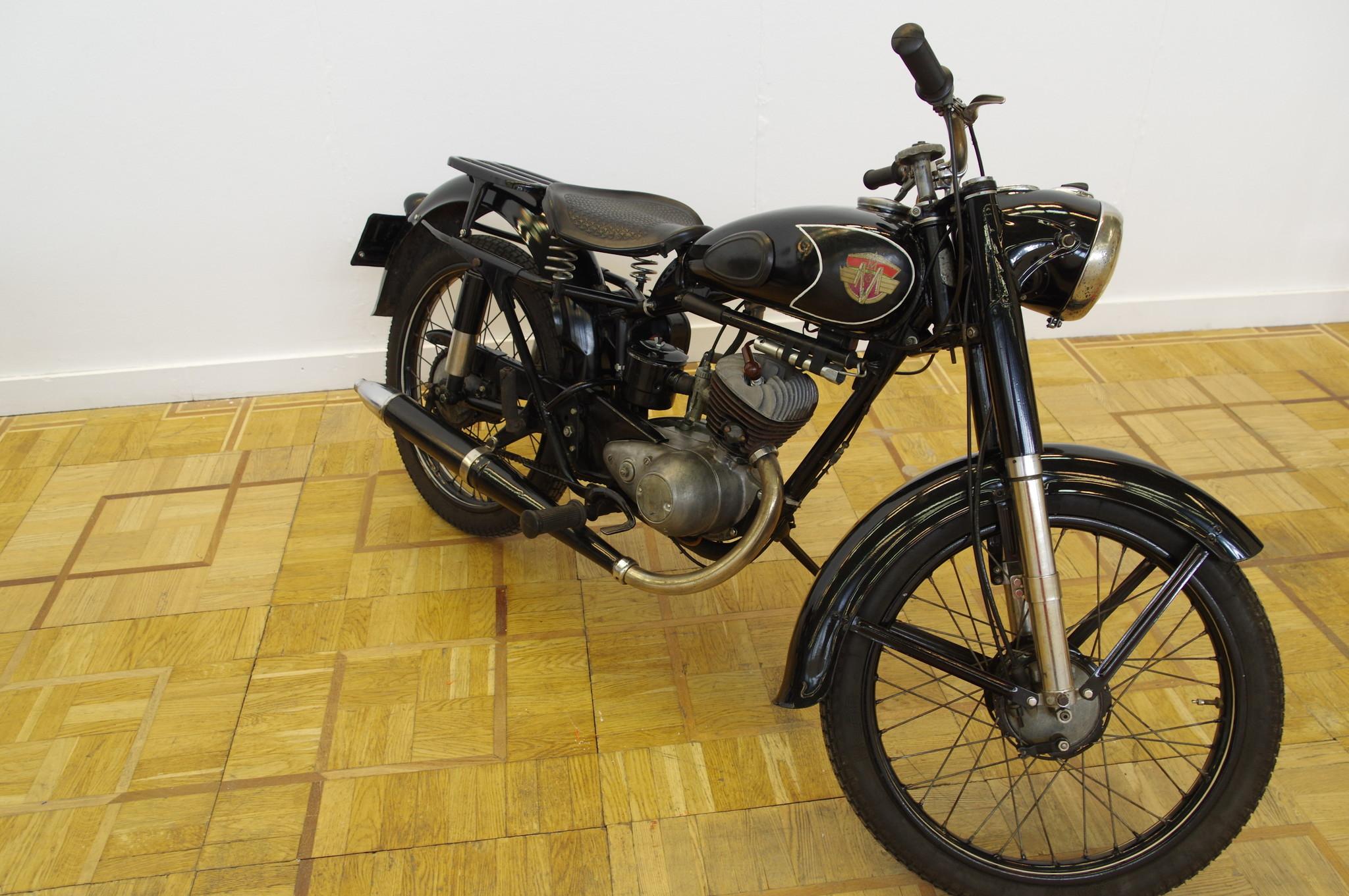 Лёгкий дорожный одноместный мотоцикл «Минск» М103