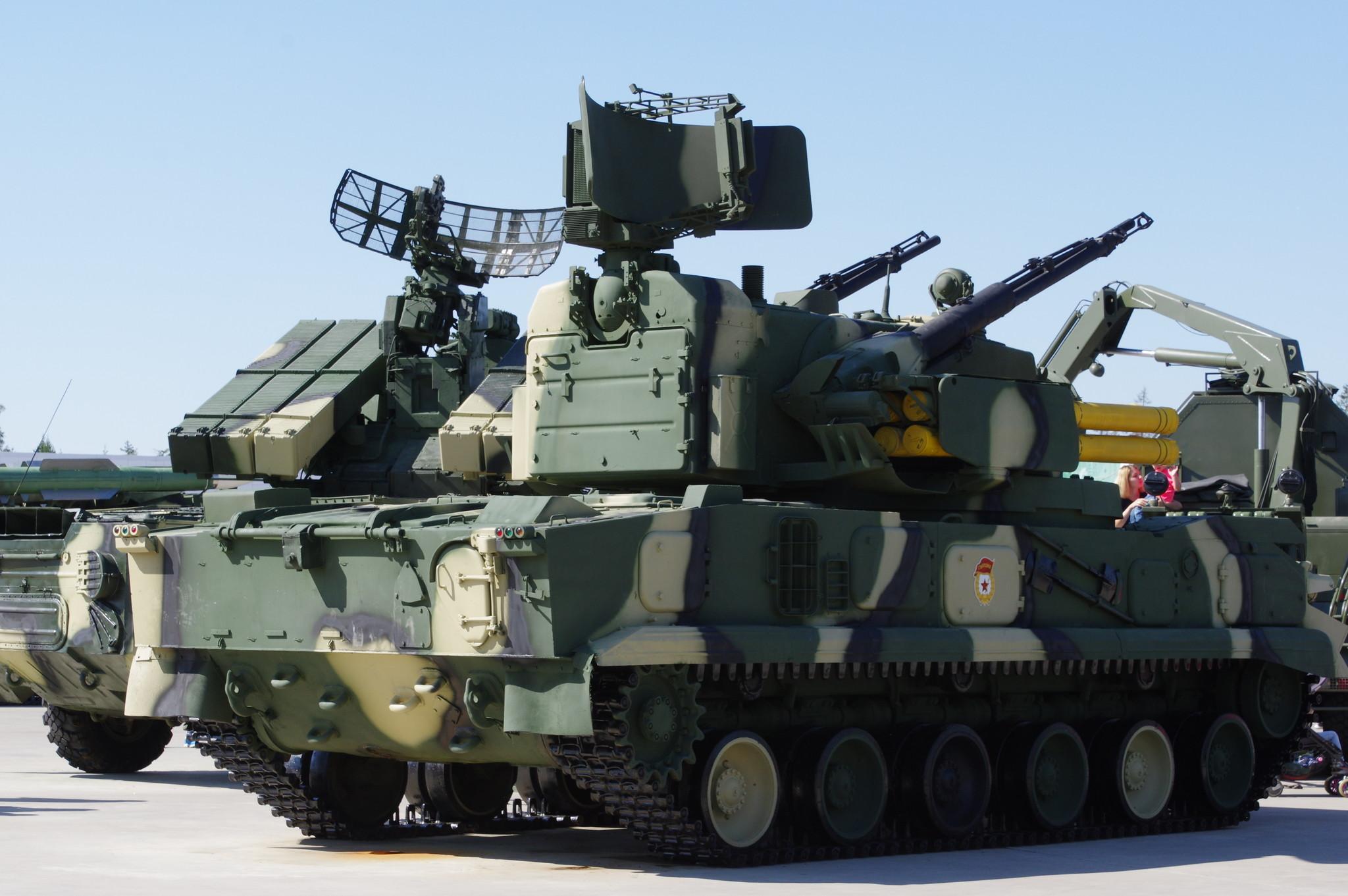 Зенитный пушечно-ракетный комплекс «Тунгуска» 2С6