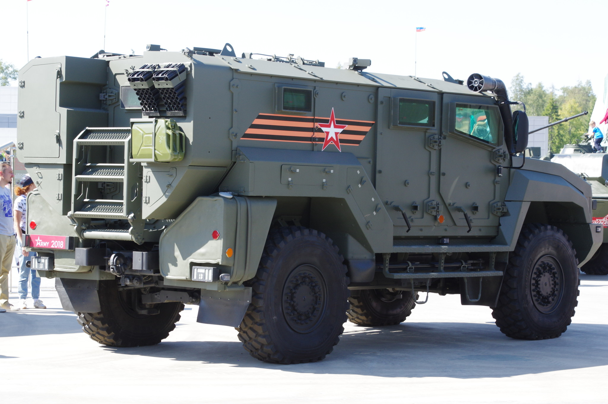 Защищённый автомобиль КАМАЗ-53949 «Тайфун-К»