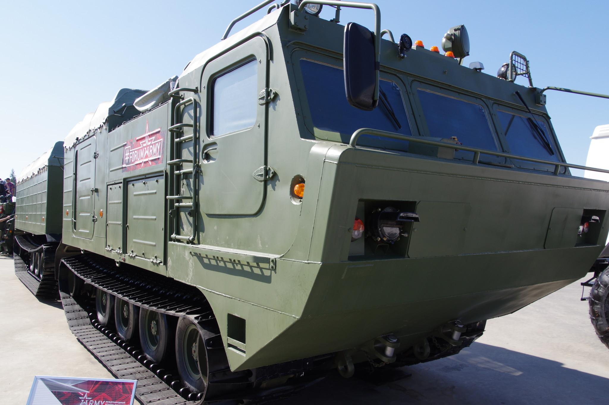 Двухзвенный гусеничный транспортёр ДТ- 10ПМ