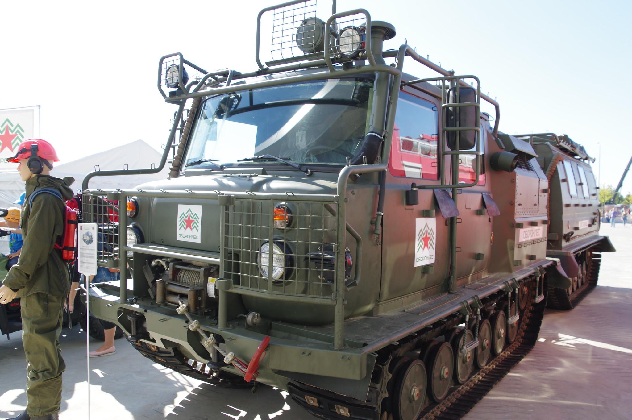Двухзвенный гусеничный снегоболотоход ГАЗ-3344-20