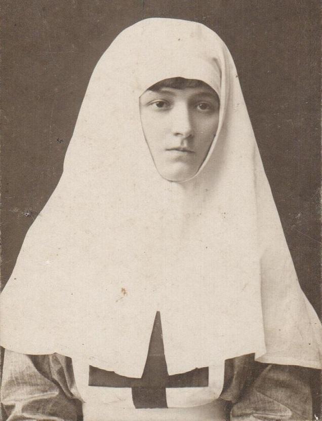 11 ноября на Братском некрополе героев Первой мировой войны открыли восстановленную надгробную плиту на месте погребения сестры милосердия Любови Константиновой. H-254