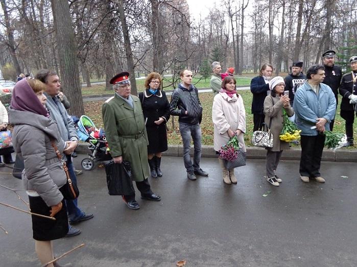 11 ноября на Братском некрополе героев Первой мировой войны открыли восстановленную надгробную плиту на месте погребения сестры милосердия Любови Константиновой. H-366