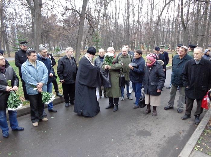 11 ноября на Братском некрополе героев Первой мировой войны открыли восстановленную надгробную плиту на месте погребения сестры милосердия Любови Константиновой. H-370