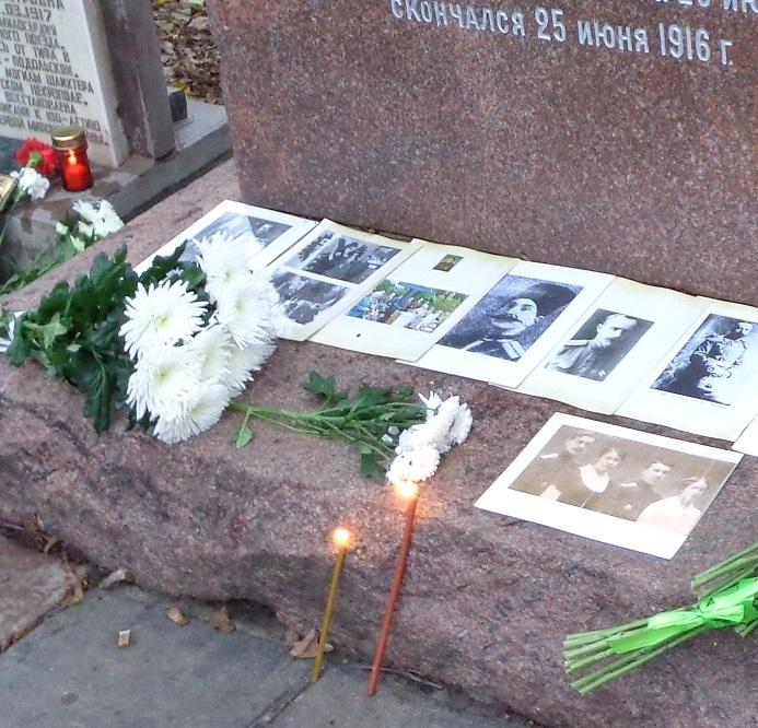 11 ноября на Братском некрополе героев Первой мировой войны открыли восстановленную надгробную плиту на месте погребения сестры милосердия Любови Константиновой. H-389