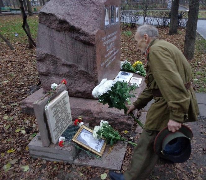 11 ноября на Братском некрополе героев Первой мировой войны открыли восстановленную надгробную плиту на месте погребения сестры милосердия Любови Константиновой. H-396