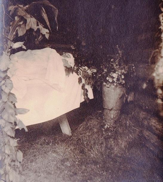 При участии Министерства культуры РФ на Братском кладбище героев войны 1914-1918 годов открыли надгробную плиту Сестрам милосердия Ольге Шишмаревой и Вере Семеновой. H-543