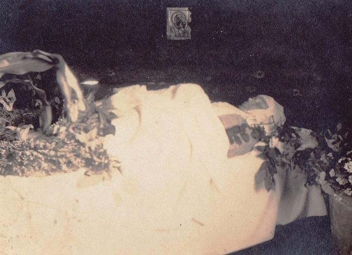 При участии Министерства культуры РФ на Братском кладбище героев войны 1914-1918 годов открыли надгробную плиту Сестрам милосердия Ольге Шишмаревой и Вере Семеновой. H-544