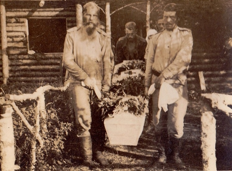 При участии Министерства культуры РФ на Братском кладбище героев войны 1914-1918 годов открыли надгробную плиту Сестрам милосердия Ольге Шишмаревой и Вере Семеновой. H-545