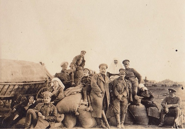 При участии Министерства культуры РФ на Братском кладбище героев войны 1914-1918 годов открыли надгробную плиту Сестрам милосердия Ольге Шишмаревой и Вере Семеновой. H-546