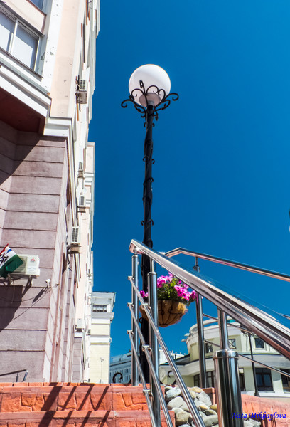 Лестница, фонарь...