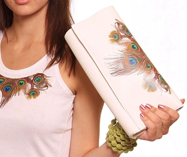 Эта изысканная дамская сумочка является неотъемлемой частью вечернего...  Клатчи.  Итальянские сумки.