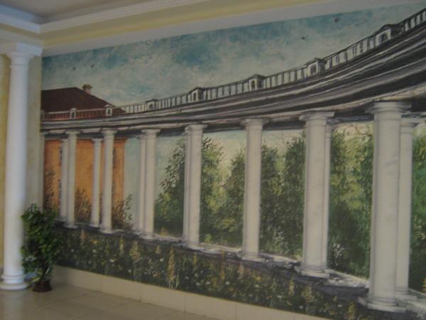 Роспись в вестибюле учебно-административного корпуса