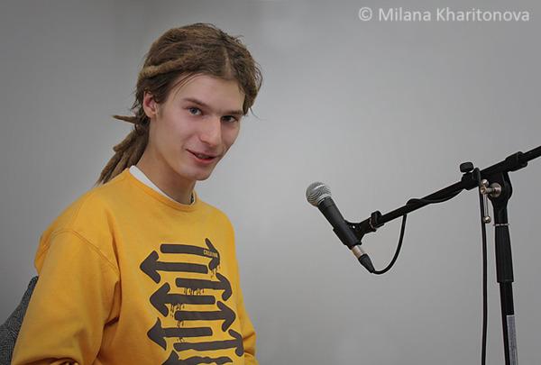 Лидер  брестской группы «Растение Мудрости» Владислав Курбатов: мы не умеем играть под фанеру.  Фото.