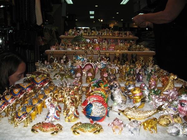 Подарки и сувениры из Таиланда.