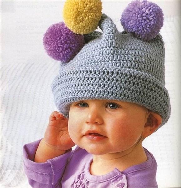 Вязаные крючком шапочки для малышей.