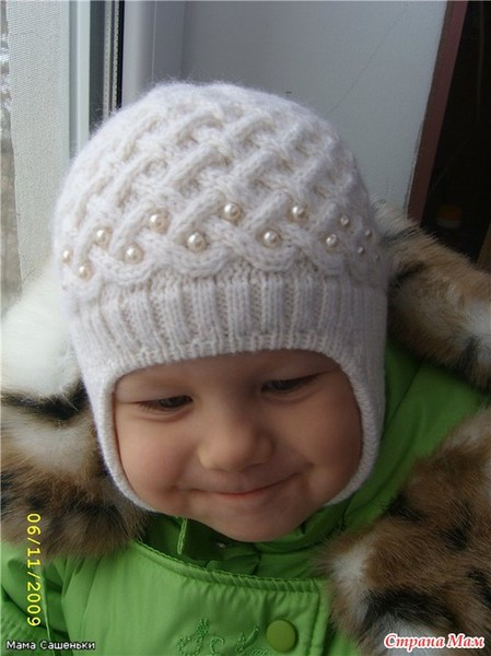 теплые вязаные шапочки малышам