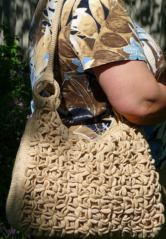 Пляжная сумка связана крючком 3.5 из 300 г гр пряжи MONDIAL.