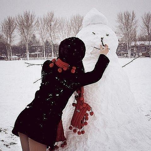 Секс с девушек с снеговиком