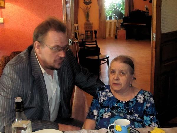 Одно из последних фото Гиты Львовны, 9 мая 2010 г., Верхнее Мячково.