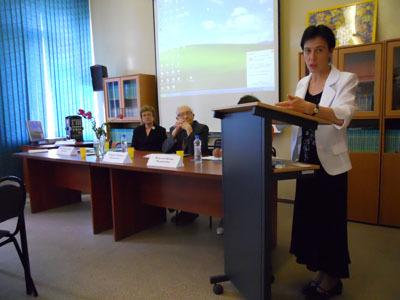 поздравляем Елену Николаевну Моргачеву с блестящей защитой докторской диссертации на тему «Компаративный анализ парадигм умственной отсталости в специальной педагогике России и США»