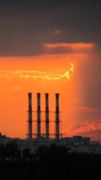 Солнечное смятение в Заоконье. Майское введение в лето (фотоэкзерсисы В.К.)