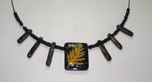 Изделия - украшения с листьями, хризантемы